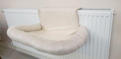 Miapet - Miapet Kalorifer Üstü Askılı Lüks Kedi Yatağı 47x35 cm Krem